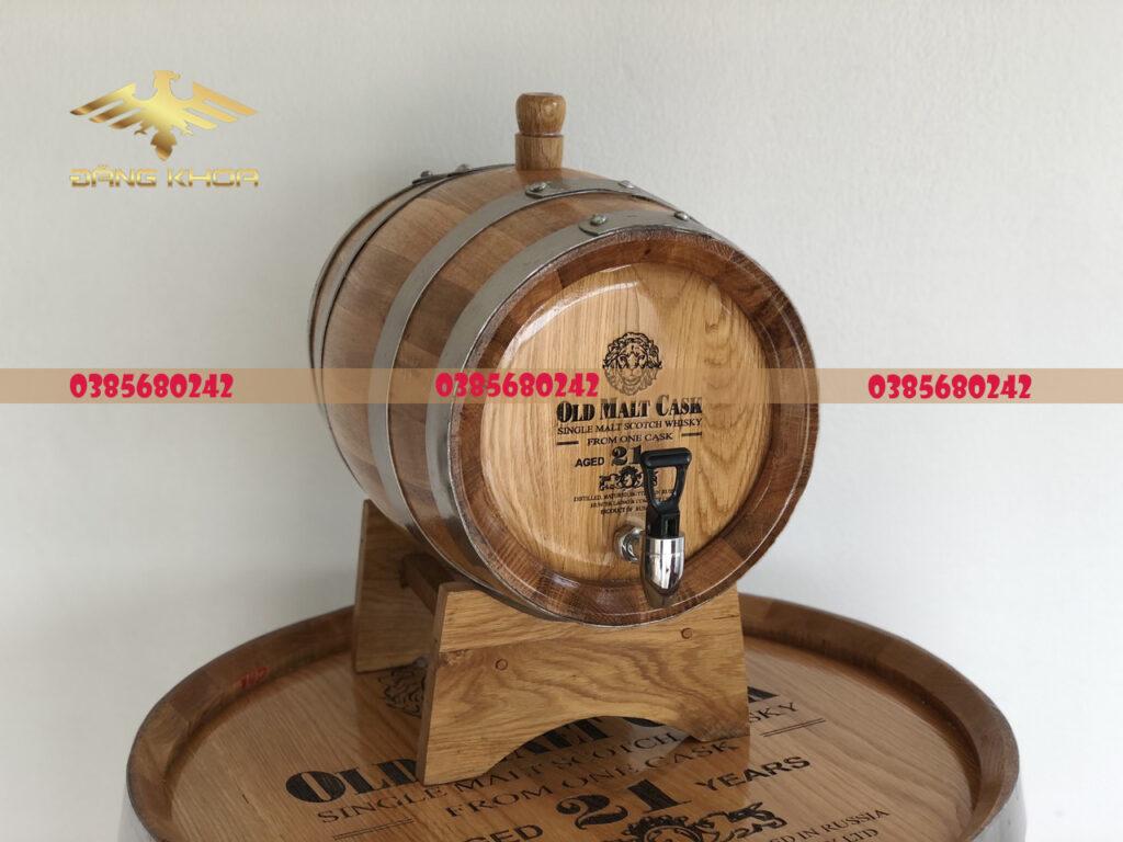 Thùng gỗ sồi mang lại hương vị rượu đặc trưng