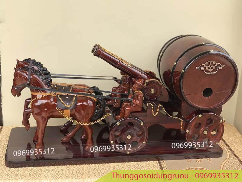 Xe ngựa đôi 2 pháo kéo trống rượu vang